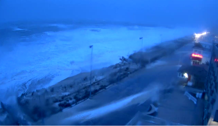 Storm update 6 30 am saturday delaware surf for Rehoboth beach fishing